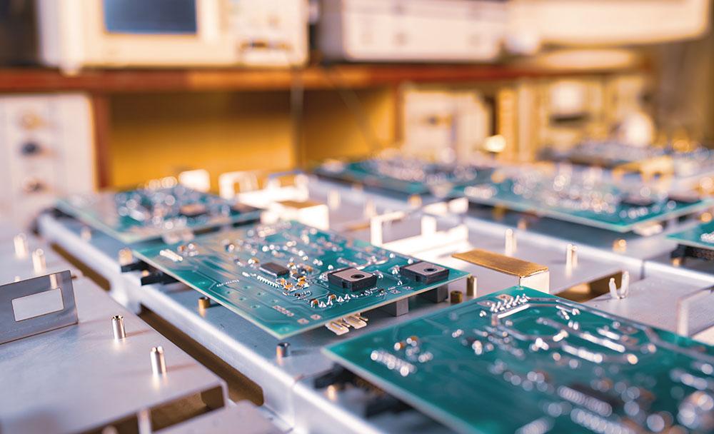opremljanje elektronskih vezij