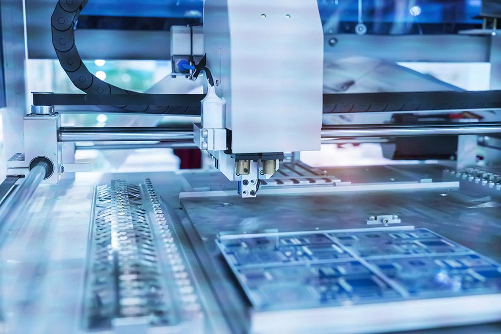 Obdelava PCB na CNC stroju, Izdelava/Proizvodnja elektronskih komponent